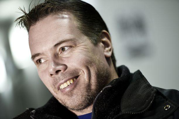 Jouko Ahola pyörittää kahta salia Hämeenlinnassa ja treenaa itseään takaisin huippukuntoon.