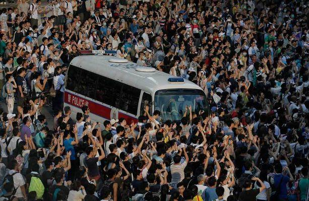 Hongkongin mellakat eivät ota laantuakseen.