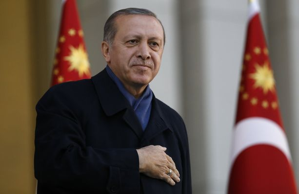 Recep Tayyip Erdoğan sai kansanäänestyksessä läpi presidentin valtaoikeuksia lisäävät uudistukset.