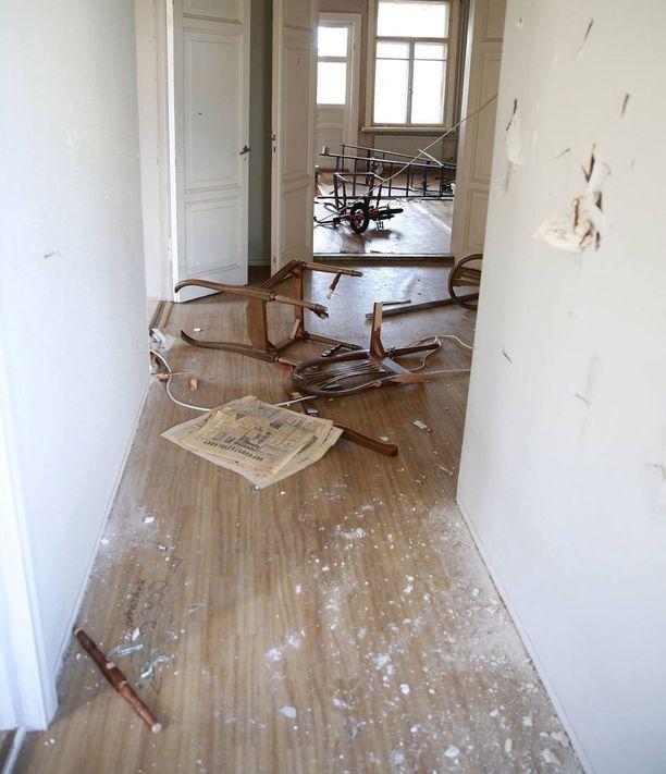 Villa Soltunan omistava helsinkiläinen perhe on järkyttynyt tuhosta.