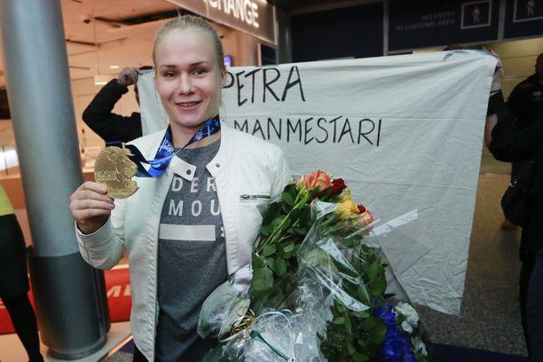 Petra Olli voitti juuri painin maailmanmestaruuden, mutta verotietojen mukaan hän tienasi viime vuonna vain 761 euroa.