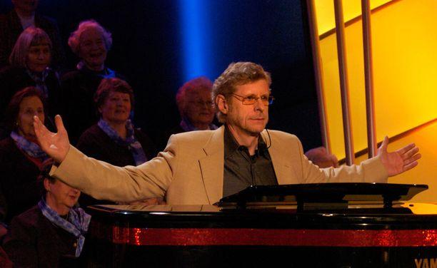 Seppo Hovi oli toinen BumtsiBumin pianisteista ja tuomareista.