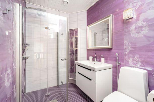Harvoin kylpyhuonetta voi kutsua suloiseksi, mutta tätä vessaa sana kuvaa hyvin.