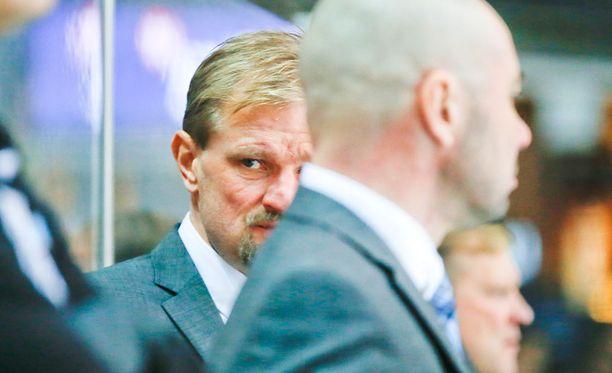 Petri Matikainen ei ollut tyytyväinen joukkueensa 6-5-tappioon SaiPaa vastaan.