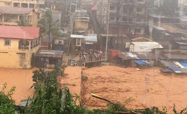 Tulvat eivät ole harvinaisia Sierra Leonessa ja ilmastonmuutos on tehnyt rankkasateista entistä yleisempiä.