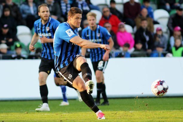 Filip Valencic on tehnyt tällä kaudella 15 maalia ja antanut viisi maalisyöttöä.