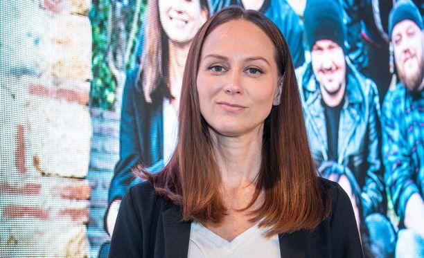 Terhi Kokkonen tulkitsi perjantain jaksossa herkän version Dannyn Me vain -kappaleesta.