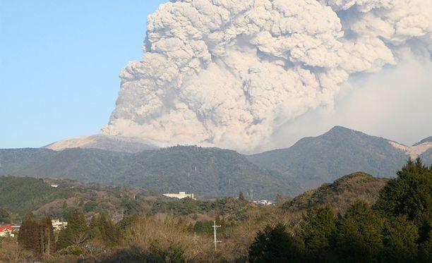 Shinmoedaken tulivuori purkautui myös vuonna 2011.