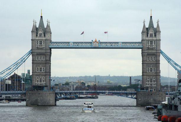 Tuoreen kyselytutkimuksen mukaan monelle brittiaikuiselle on epäselvää, mikä on raiskaus. Kuvituskuva Lontoon Tower Bridgestä.