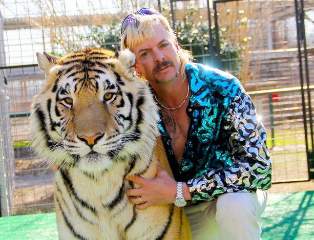 Joe Exoticin eläintarha keskittyi pääasiassa isoihin kissaeläimiin.