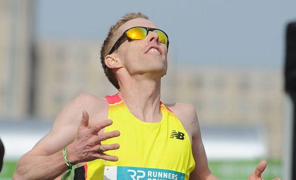 Eric Gillis sanoi maratonin jälkeen, että olisi tarvinnut pari päivää lisää toipumisaikaa vatsatautinsa jälkeen. Arkistokuva.