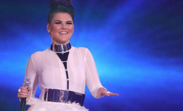 Saara Aalto sijoittui eilen toiseksi Ison-Britannian X Factorissa.