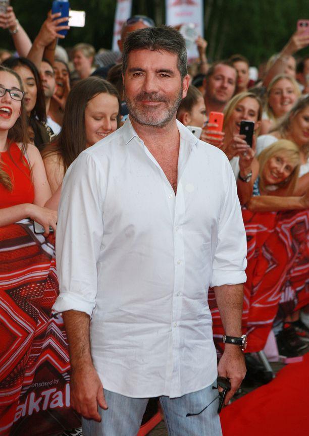 Tiukkana tunnettu Simon Cowell kehuu Saaran esitystä.
