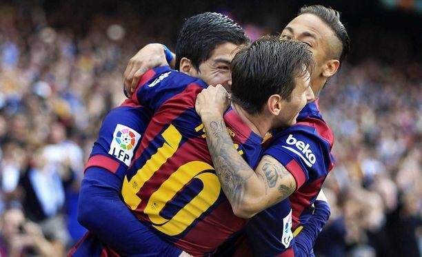 Barcelona kairasi 2-0-voiton Valenciasta.