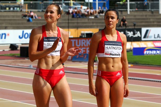 Miia Sillman (vas.) ja Maria Huntington ovat Tampereen Pyrinnön naisia.