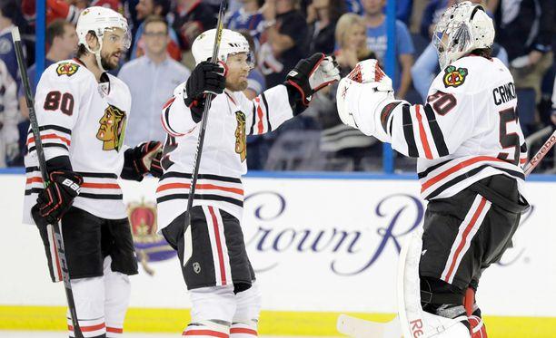 1 108 NHL:n runkosarjaottelua pelannut Kimmo Timonen (kesk) on Teuvo Teräväisen ja Antti Raannan kanssa enää voiton päässä Stanley Cupin voitosta.