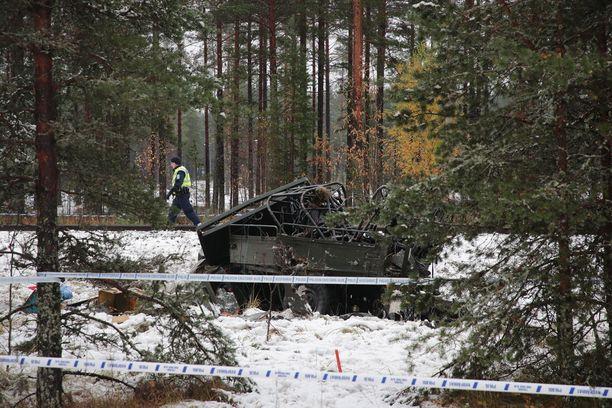 Ajoneuvo kärsi pahasti onnettomuudessa.
