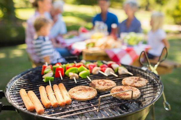 Yhden kesäisen aterian aikana kaloreita voi kertyä lähes kokonaisen vuorokauden edestä.