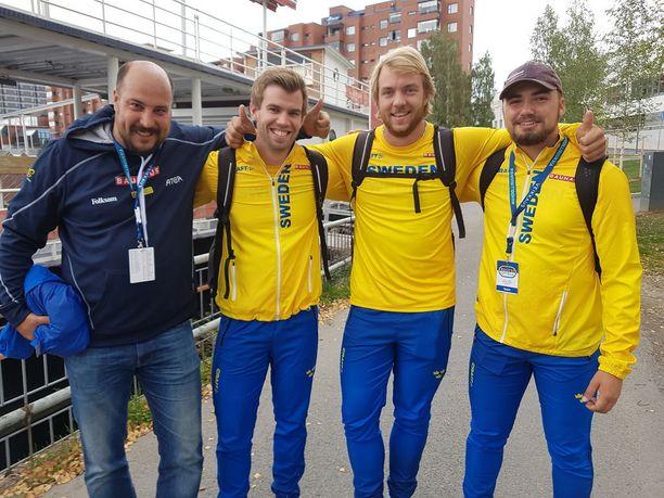 Oscar Westerlund, Matias Lindberg, Ragnar Carlsson ja heittäjien valmentaja Stellan Kjellander.