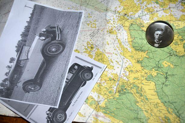Ainoa säilynyt valokuva Johan Viktor Lehtisestä löytyy paperipainon sisältä. Haurlahti Vikun kuvan alapuolella oli paikka, missä pyhärantalaiset salakuljettajat operoivat kuin bussipysäkillä ikään. Kuvissa myös kaksi Vikun kieltolain vilkkaimpina vuosina omistamista autoista.