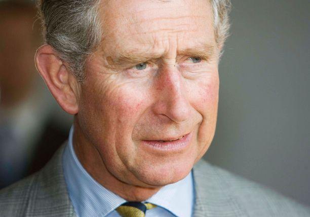 Uutissivusto Reuters kertoi Walesin prinssi Charlesin saaneen koronatartunnan.