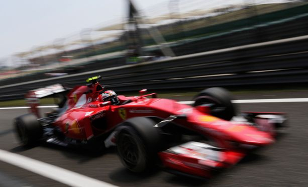 Kimi Räikkönen on ollut hyvässä vauhdissa Shanghain radalla.
