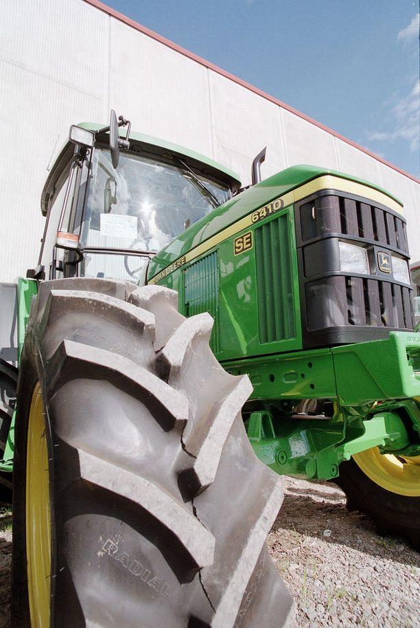 Hyväuskoiset asiakkaat maksoivat jopa kymmeniä tuhansia euroja traktoreista, joita ollut edes olemassa (kuvituskuva).