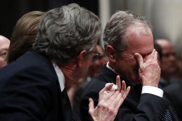 George H.W. Bushin muistotilaisuudessa oli lämminhenkistä huumoria, mutta myös kyyneliä.