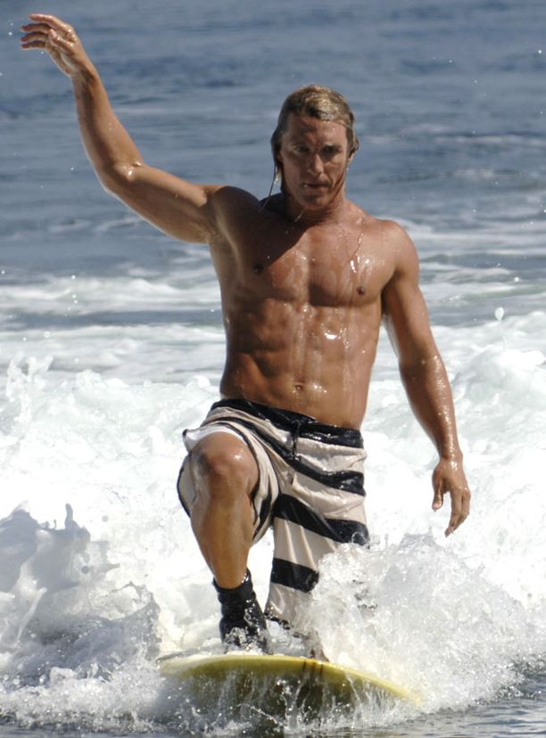 Matthew Mcconaughey rannalla miellyttää Parade-lehden äänestäjiä.