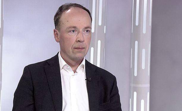 Jussi Halla-aho paljasti Sensuroimaton Päivärinta -haastattelussa tunteellisen puolensa.