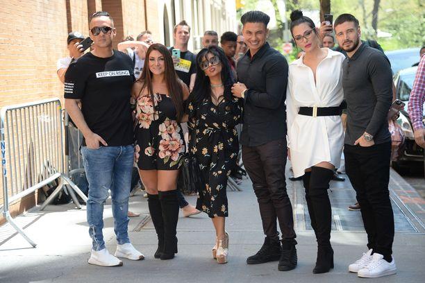 Mike Sorrentino ja Jersey Shore -kollegat Deena Nicole Cortese, Nicole 'Snooki' Polizzi, Pauly D, Jenni Farley ja Vinny Guadagnino markkinoivat uutta spin off- sarjaansa toukokuussa New Yorkissa.