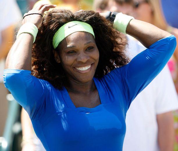 Yhdysvaltalaiset miespelaajat haluavat Serena Williamsin parikseen sekanelinpeliin.