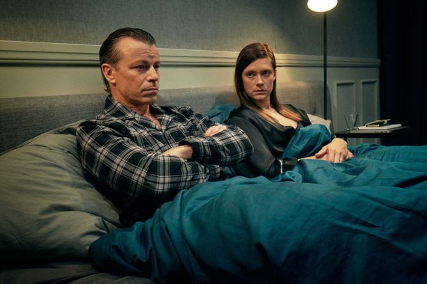 Peter Franzén ja Krista Kosonen nähdään Elisa Viihde Aitiossa nähtävässä Makkari-sarjassa pariskuntaa Oliveria ja Annikaa.
