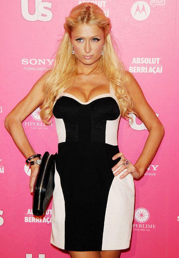 Paris näyttäytyi viime viikolla US Weekly Magazinen juhlissa Los Angelesissa.