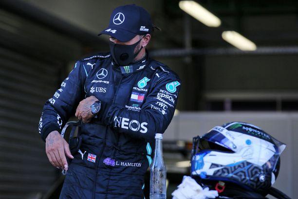 Lewis Hamiltonin rangaistus muuttuu.