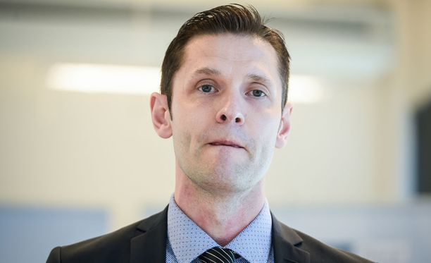 Ex-maalivahti Sinuhe Wallinheimo tuomitsi Juhani Tyrväisen tempun.