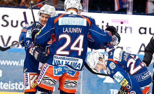 Tappara-luotsi Jussi Tapola rikkoi tämän kolmikon.