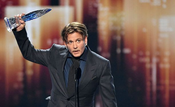 Johnny Depp voitti Favourite movie icon -palkinnon People's Choice -gaalassa viime viikolla.