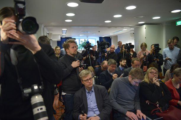 Pääministeri Juha Sipilä kommentoi hallituksen eroa perjantaina tiedotustilaisuudessa.