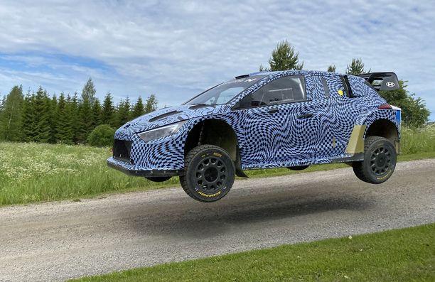 Hyundai testasi uutta ralliautoa.