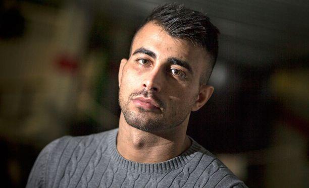 Viaplay teki kolmiosaisen dokumenttisarjan Makwan Amirkhanista.