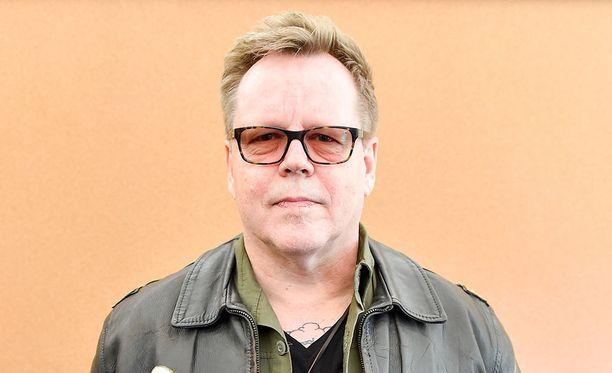Dingosta on tekeillä elokuva. The Rasmuksen basistinakin tunnettu Eero Heinonen ehdotti viime kesänä Nipalle Dingo-filmatisoinnin tekoa, Iltalehti kertoi keväällä.