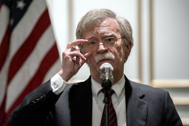 Kansallisen turvallisuuden neuvonantajaa John Boltonia pidetään niin radikaalina sotahaukkana, ettei hänelle ollut sijaa edes George W. Bushin hallinnossa.