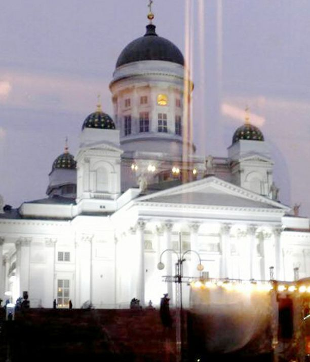 Senaatintori on uudenvuodenaattona kaupungin päänäyttämö.
