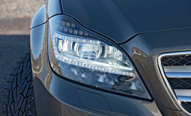 Ajovalojen umpiot himmenevät ajan kuluessa esimerkiksi lian, auringonvalon tai hapettumisen vuoksi.