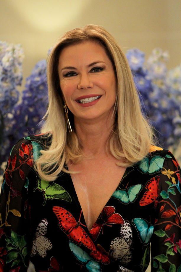 Katherine Kelly Lang tunnetaan paremmin Brookena.
