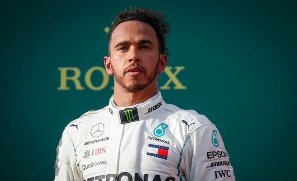 Lewis Hamilton hölmistyi Australian GP:n lopputulemasta.