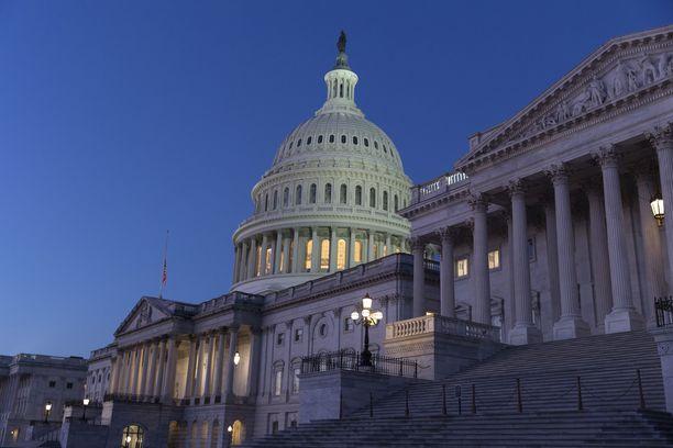 Capitol-kongressitalon turvatoimia on kiristetty äärimmilleen loppiaisen hyökkäyksen jälkeen.