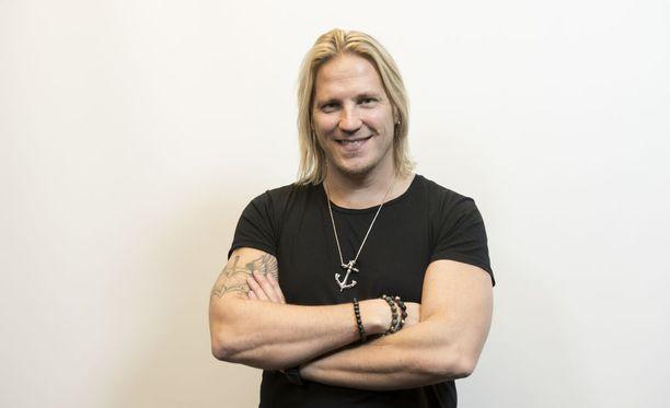 Temptation Island Suomen juontaja Sami Kuronen myönsi jännittävänsä testiä.