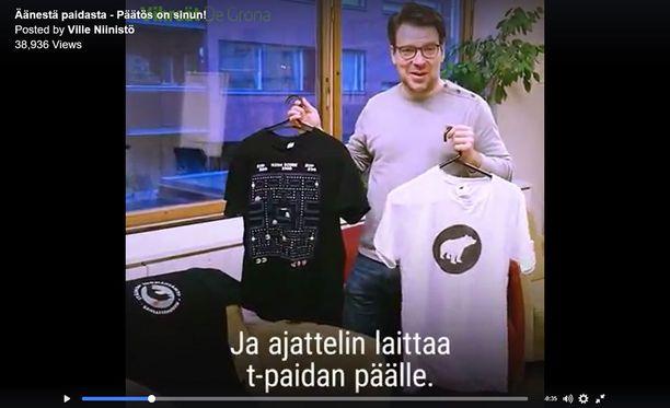 Ville Niinistö esiintyy Ylen puoluepäivässä t-paidassa ja pikkutakissa. Puoluepäivä huipentuu tenttiin, jonka IL arvioi perinteisellä leijonat ja lampaat -asteikolla.